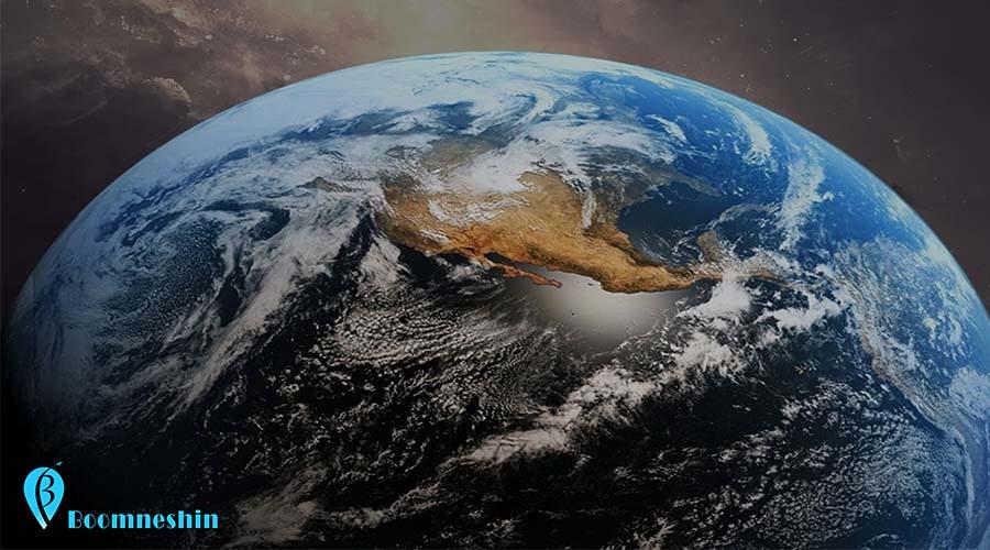 روز جهانی ساعت زمین هر سال میلیونها انسان در سراسر جهان، در روز ۲۸ مارس (۹ فروردین)، در ساعت بیستوسی دقیقه به وقت محلی، چراغهای خانه، فروشگاه و محل کارشان را خاموش میکنند تا با جنبشهای «حفاظت از طبیعت» و بهبود شرایط زمین، اعلام همبستگی کنند. نخستینبار، سال ۲۰۰۷، «بنیاد جهانی طبیعت»[۱] و همکاران این سازمان جهانی در «سیدنی» یک ساعت خاموشی برای زمین را اجرا کردند تا توجه جهانیان را به تغییرهای آبوهوایی جلب کنند. با گذشت بیش از یک دهه، بحران اقلیمی همچنان پابرجاست و با تهدیدی دیگر همراه شده: از میان رفتن پُرشتاب گونههای زیستی و طبیعت.