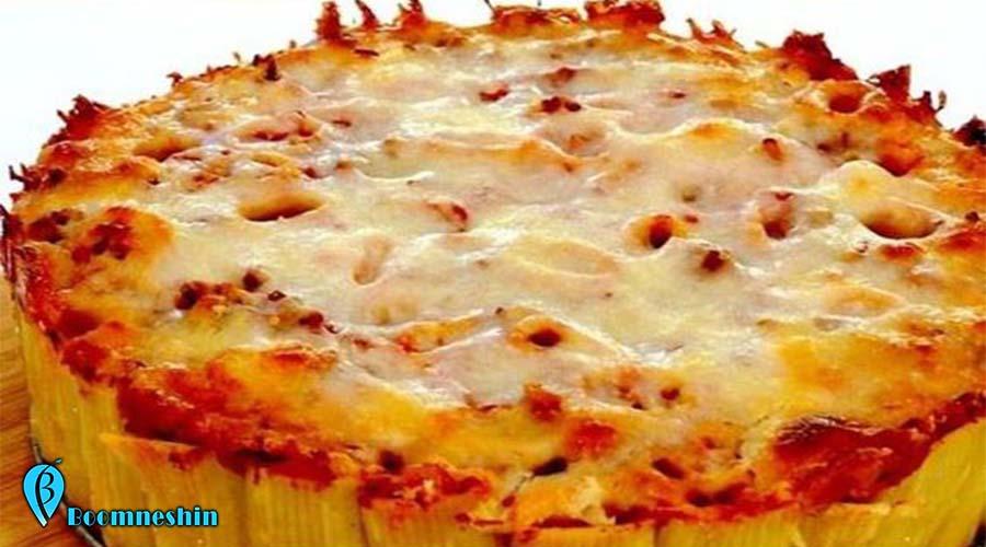 طرز تهیه ۶ نوع غذای خلاقانه جدید و خوشمزه اگر از خوردن غذاهای تکراری خسته شدهاید میتوانید درست کردن غذای خلاقانه با همان مواد قبلی را امتحان کنید. در این جا روش درست کردن ۶ غذای خوشمزه و جدید با ماکارونی، سیب زمینی، گوشت و پنیر پیتزا یاد داده شده است. ستاره | سرویس آشپزی - غذاهای مورد علاقه ما گاهی میتوانند خسته کننده و تکراری شوند. اما با کمی خلاقیت میتوانید با مواد اولیه موجود در آنها غذای خلاقانه جدید درست کنید و از خوردن آن لذت ببرید. ستاره در این آموزش روش درست کردن شش نوع غذای خلاقانه با مواد دوست داشتنی مثل پنیر پیتزا، سوسیس، سیب زمینی و ماکارونی را به شما میآموزد تا هم در زمان پخت غذا و هم موقع خوردن از آن لذت ببرید.