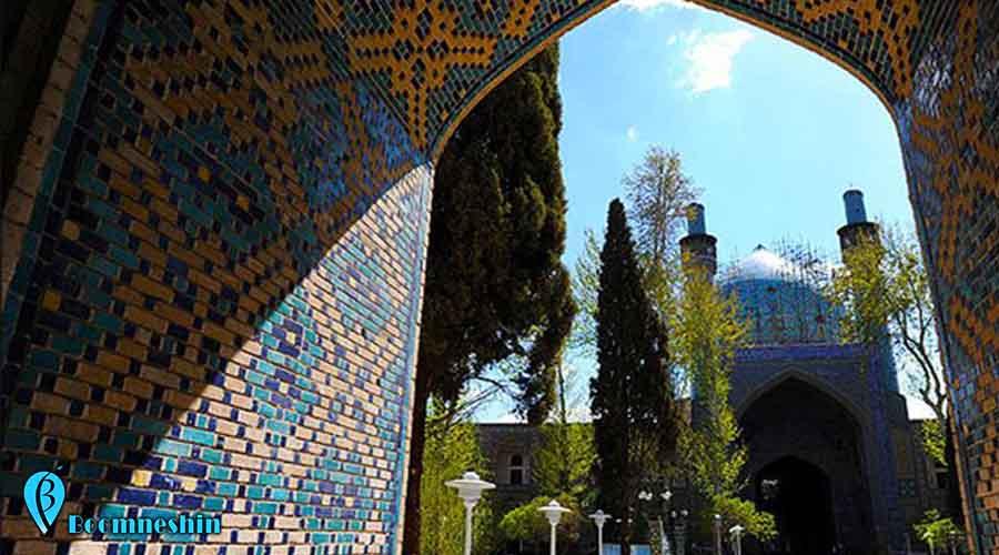 مدرسه چهار باغ اصفهان ، آخرین دیواری که در عصر صفوی بالا رفت